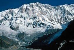 Three climbers are missing on Annapurna