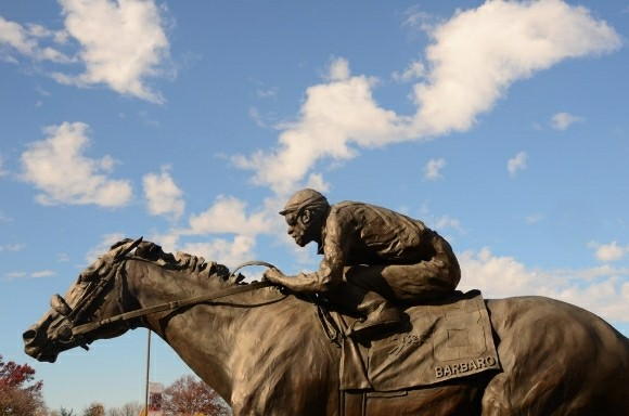 kentucky derby museum churchill downs barbaro statue